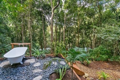 Luxusurlaub Queensland Australien im Dschungel baden