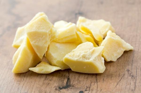 Natürliches Sonnenöl selber machen hautpflege kakaobutter