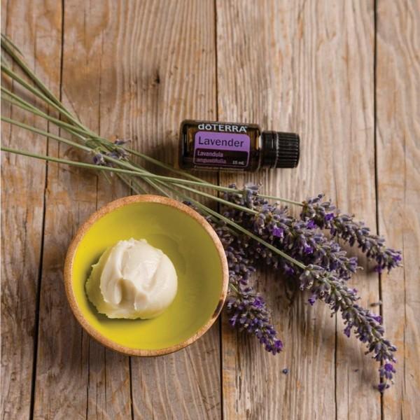 Natürliches Sonnenöl selber machen koos lavendel