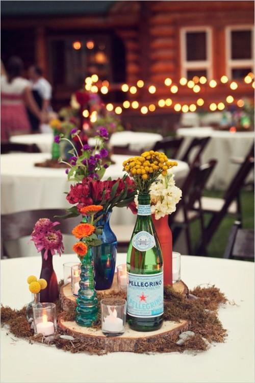 Sommerparty Beistelltisch Getränke schöne Blumendekoration