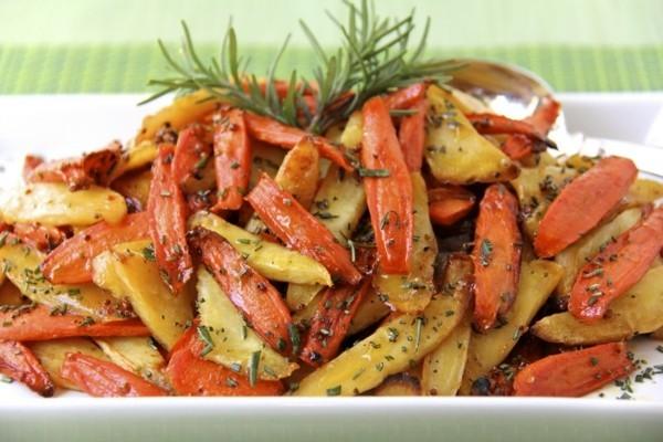 gemüsesprten gekpcht gesund möhrung und kartoffeln