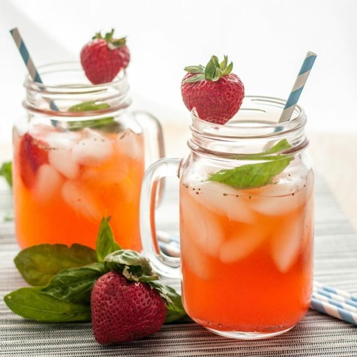 limonade ideen mit ganzen erdbeeren