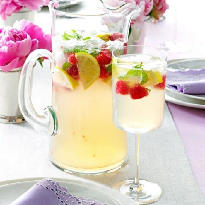 limonade ideen verschiedene früchtestücke