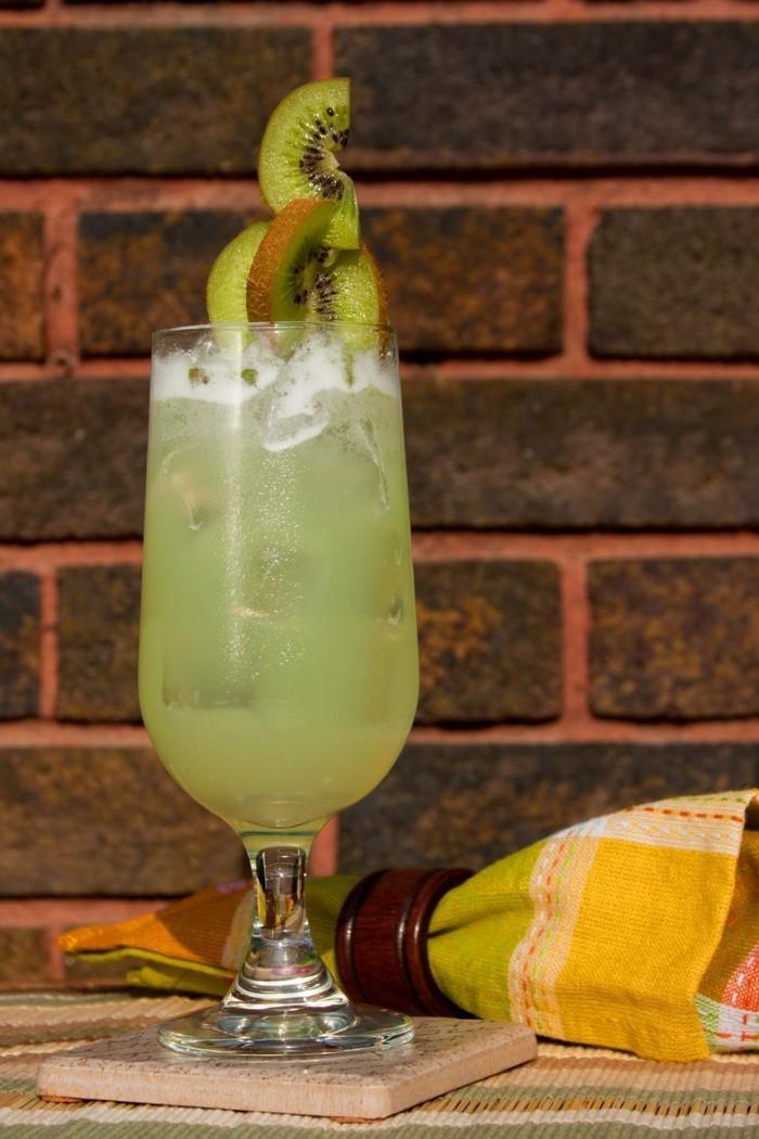 limonade ideen zitronade vor einer wand