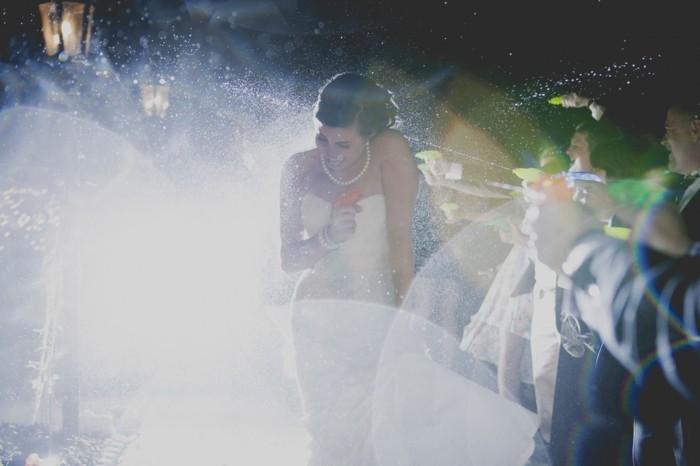 lustige hochzeitsbilder ideen fotoshooting wasserpistole