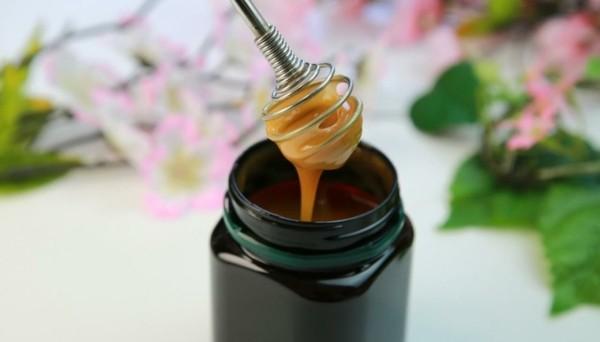 manuka- honig honigloeffel