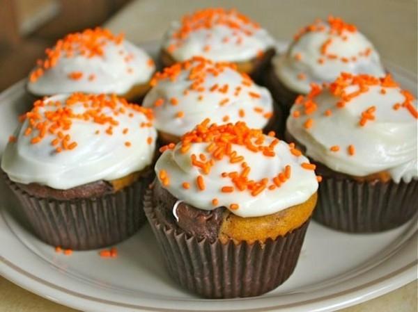 marmor muffins mit sahne und kürbis