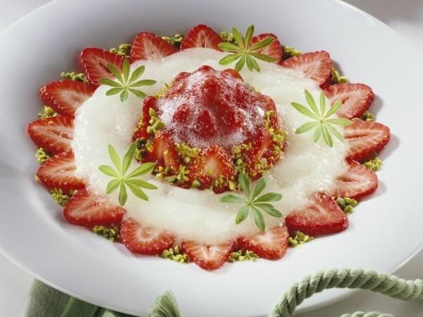 waldmeister rezepte limonade selber machen erdbeerprossecco