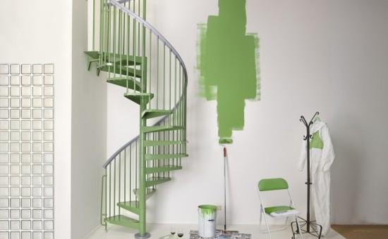 wendeltreppe grünes innendesign
