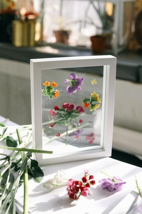 Blumen im Glasrahmen besondere Geburtstagsgeschenke für Mama