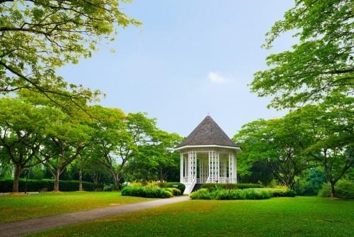 Gartenhaus im Botanischen Garten Singapur grüne Landschaft