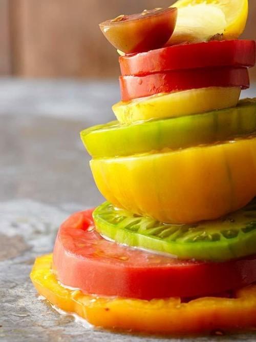 Nach Saisonkalender ernten verschiedene orten Tomaten alle sehr frisch köstlich