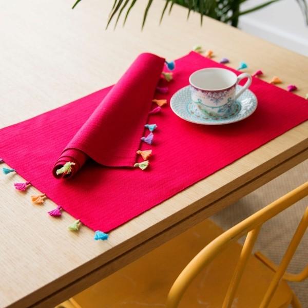 Tischdeko Ideen Tischordnung Platzordnung platzset zum ausmalen rot mit quasten