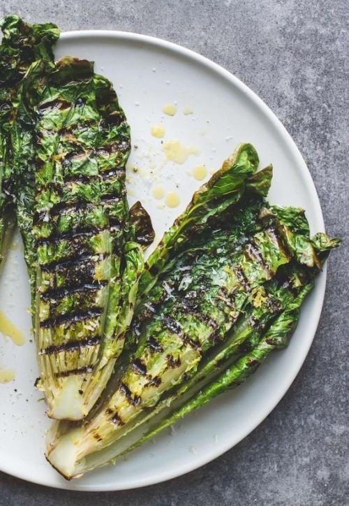 Vegetarische Grillrezepte grünes Gemüse vom Grill zuerst marinieren dann vegetarisch grillen