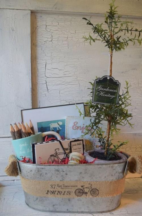 Verschiedenes im Kübel grüne Pflanze Geburtstagsgeschenke für Mama