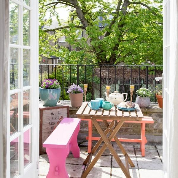 balkongestaltung einrichtungsideen balkon ideen palettenmoebel fruehstueck