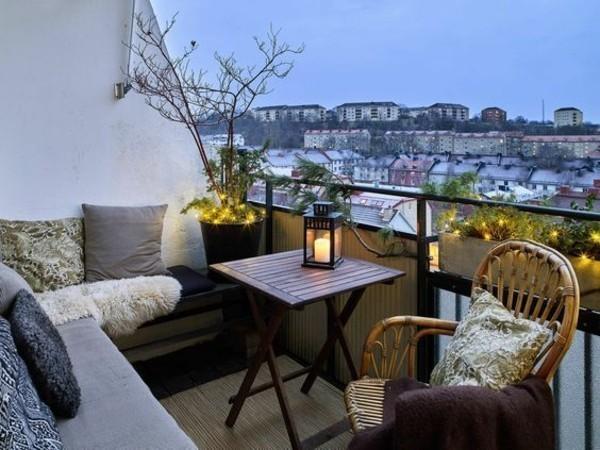 balkongestaltung einrichtungsideen balkon ideen palettenmoebel solarleuchten