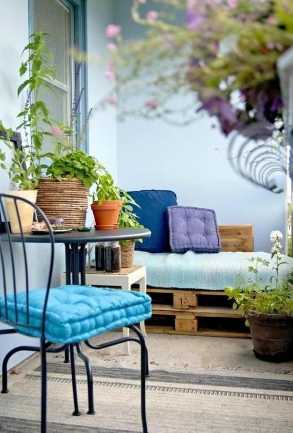 balkongestaltung einrichtungsideen balkon ideen palettenmoebel