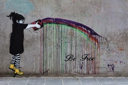 be happy botschaft street art