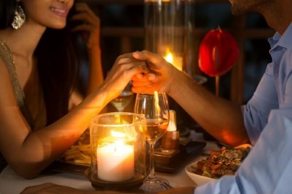 candlelight dinner hochzeitsgeschenk idee