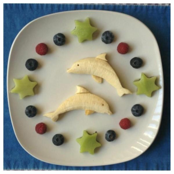 dekoideen basteln mit kindern teller anrichten bananen delphine