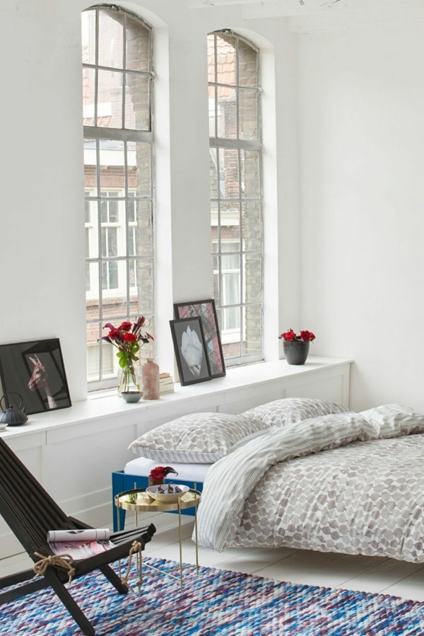einrichtungsideen breites weißes schlafzimmer