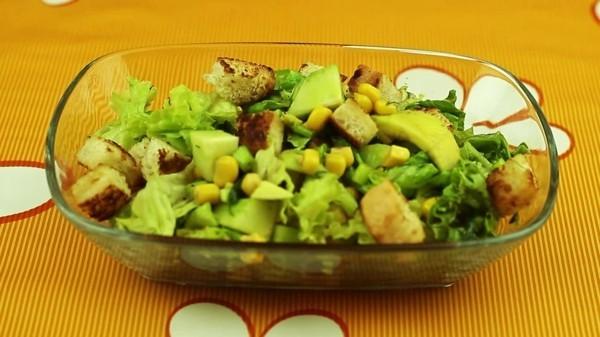 gesunde lebensmittel tolle salatidee
