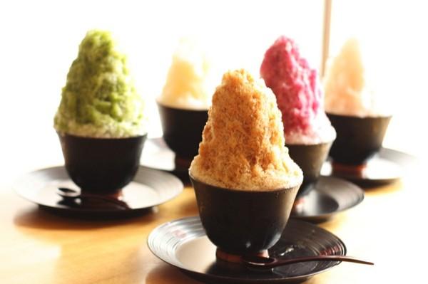 kakigori japanisches eis in kaffebechern