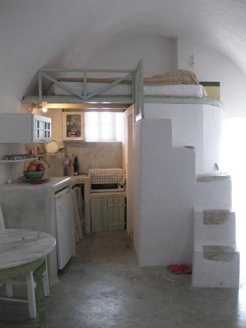 kleine schlafzimmer bett unter der decke