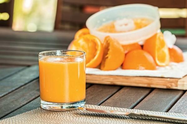 orangensaft frischgepresst tipps gegen kater