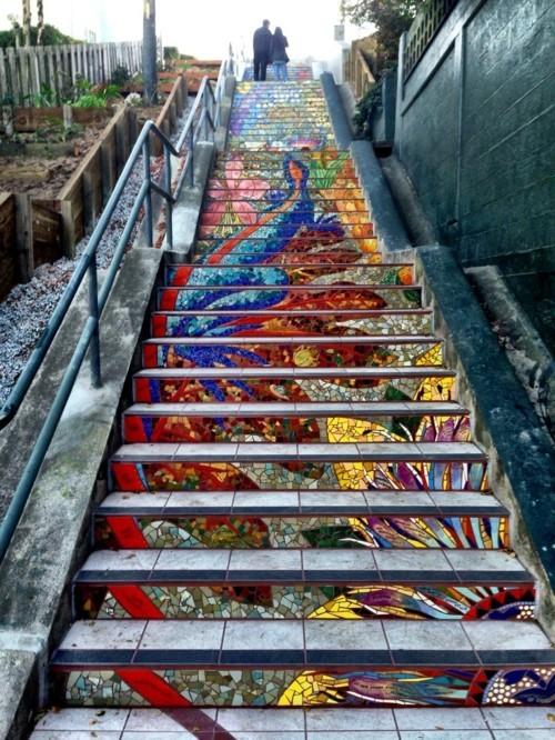 street art treppen mit tollen motiven