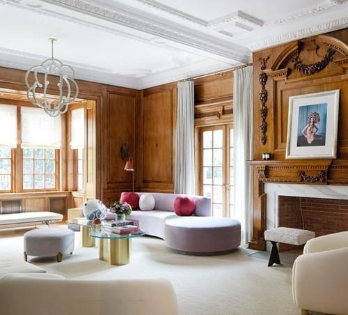 Helle Flieder Farbe auf Sofa schönes und ansprechendes Wohnzimmer