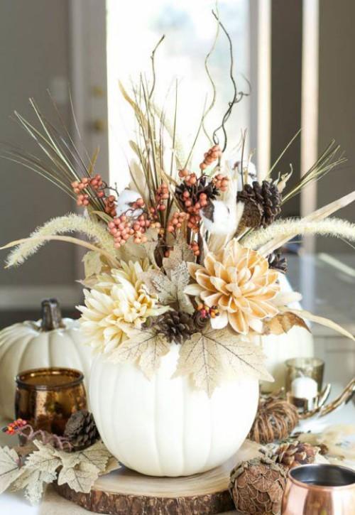 Herbstdeko basteln kleine weiße Kürbisse in Vasen deko ideen