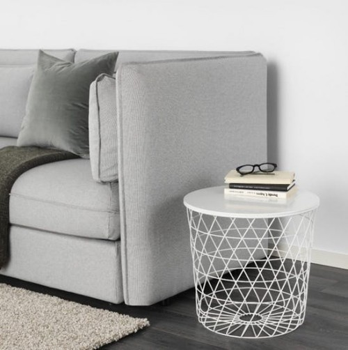 Ikea Katalog 2019 kleiner Beistelltisch aus Draht bietet Stauraum