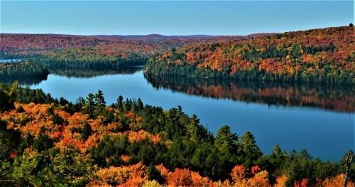 Kanada atemberaubende Landschaften schöne Herbstfarben um Rock Lake in Algonquin Park Ontario