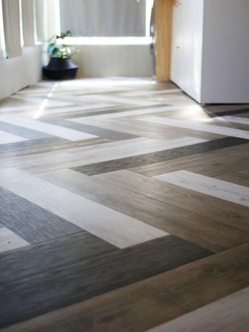 Parkettboden in schönem Muster verlegt verschiedene Farben interessanter Einfall
