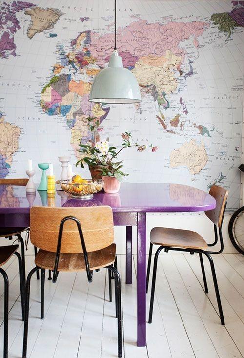 Tisch in Flieder Farbe mehr fröhliche Stimmung ins Ambiente bringen