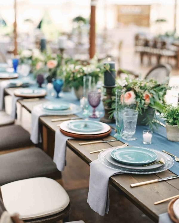 This Placesetting Is To Die Gold Charger Champagne: Die Perfekte Tischdekoration: Goldene Regeln Und Pfiffige