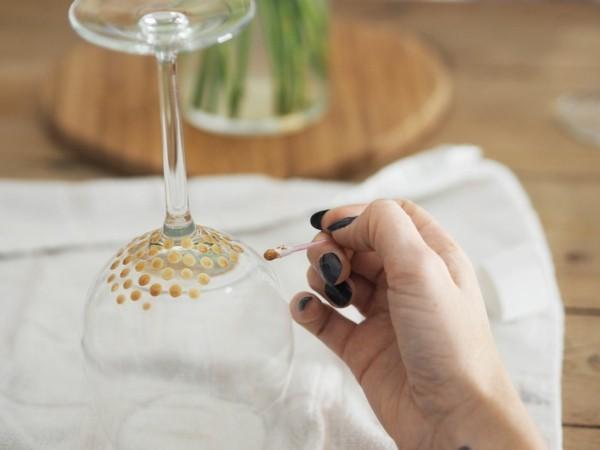 diy ideen mit weingläsern glas bemalen