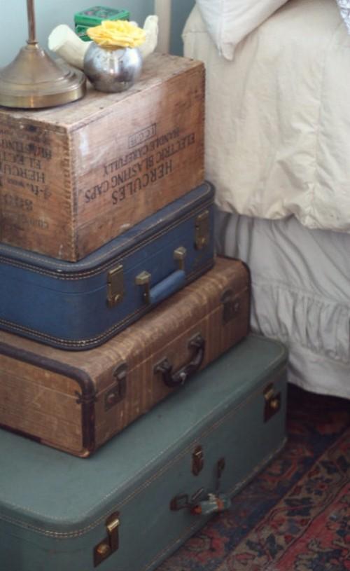 diy nachttisch antike koffer