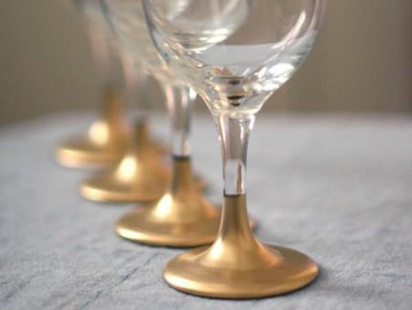 glas gold bemalen diy ideen mit weingläsern