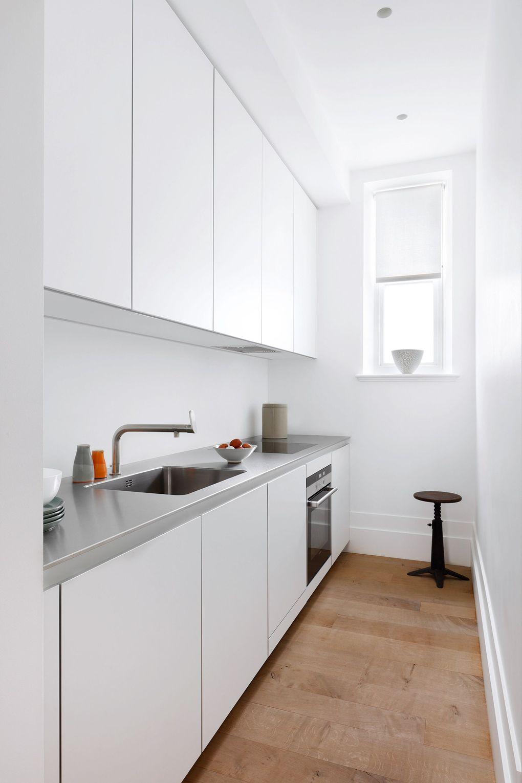 grau vor einem weißen hintergrund küchenarbeitsplatte
