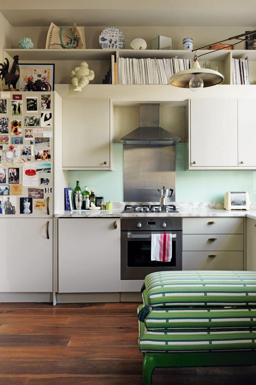 küchenarbeitsplatte in weiß und braun