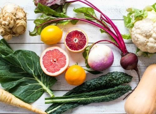 mischung aus saisongemüs gesundes essen