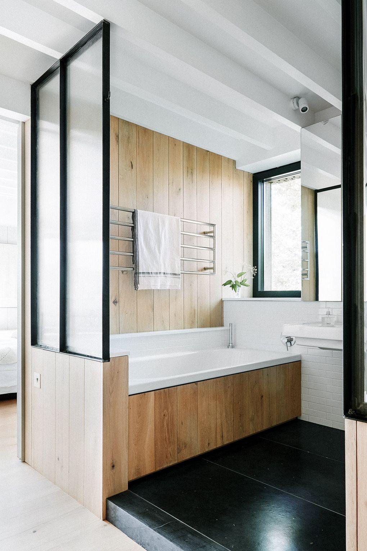 traumhaus badezimmer aus holz und marmor