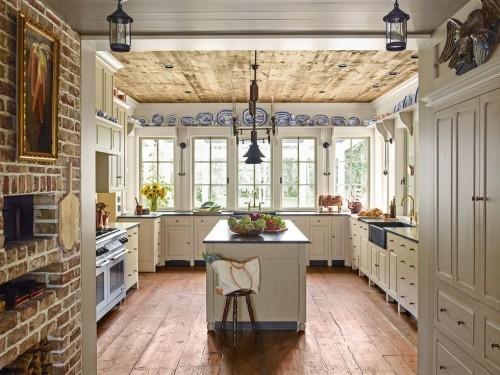 Bauernhaus Küche rustikale Elemente praktische Einrichtung
