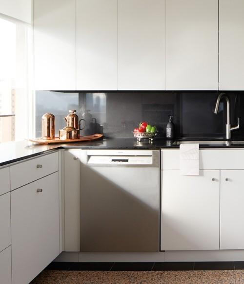 Farbige Kontraste in der Küche verschiedene Texturen und Farbtupfer schönes Küchendesign