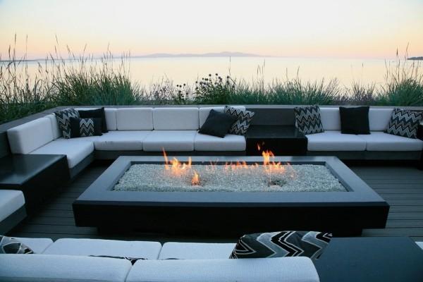 Feuerstellen luxuriöse Ruhe-Oase nah an der Meeresküste sehr schicke Möbel