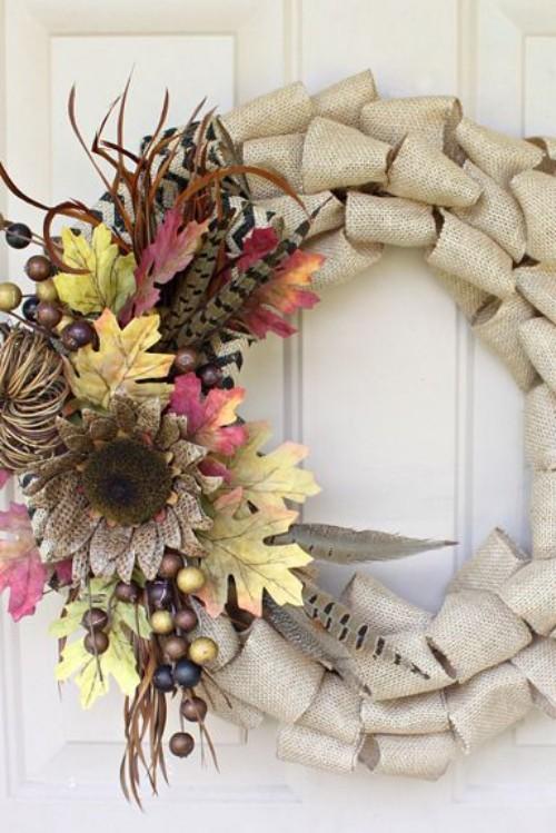 Herbstkranz basteln an der Haustür anbringen beste Deko für draußen