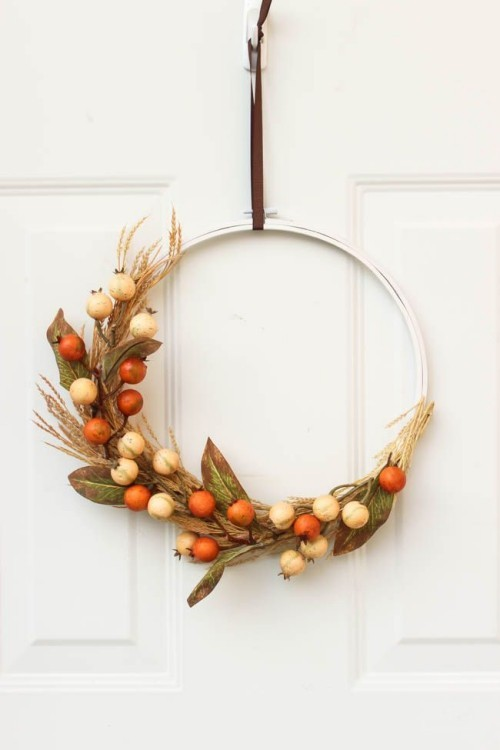 Herbstkranz basteln im minimalistischen Stil